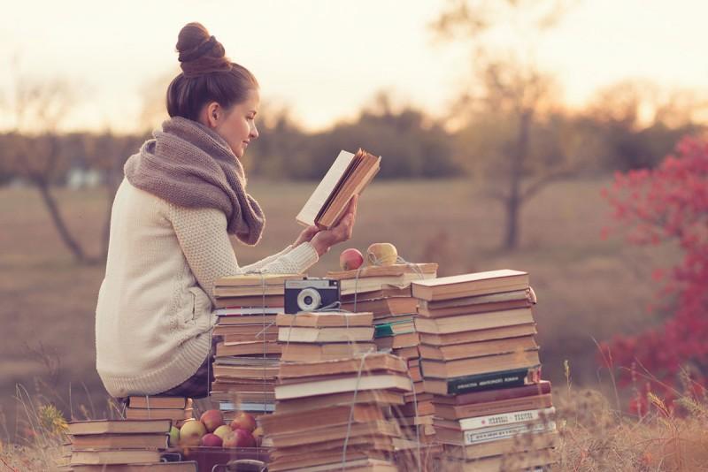 10 motive pentru care ar trebui sa citesti (cel putin) 12 carti in acest an