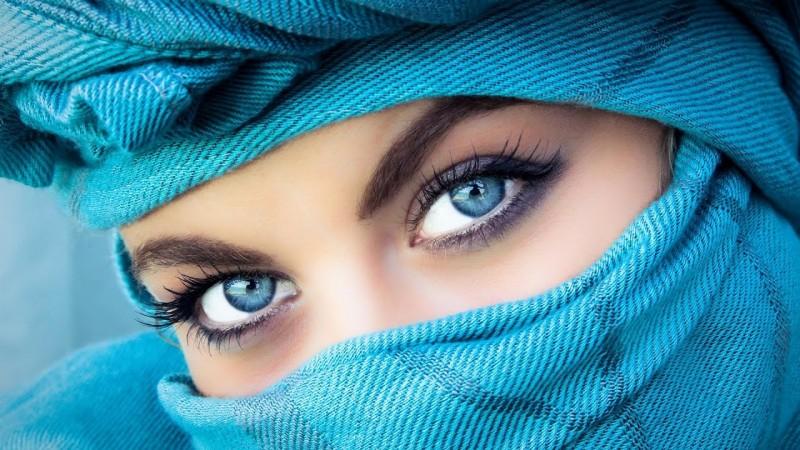 Ochii si micile lor defecte