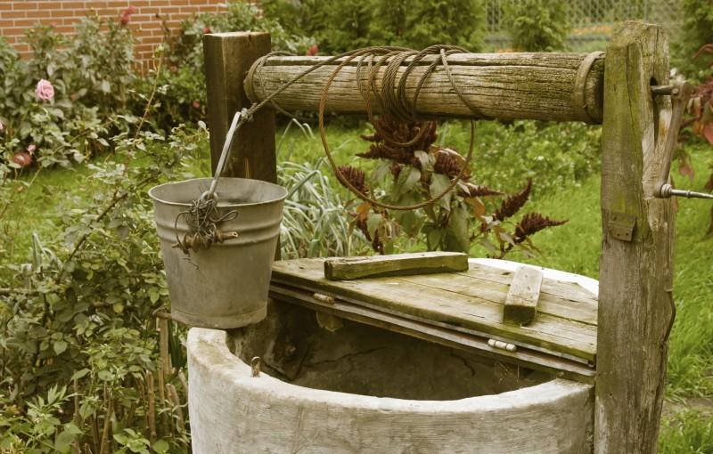Alege sa forezi un put in curtea ta pentru a avea propria sursa de apa