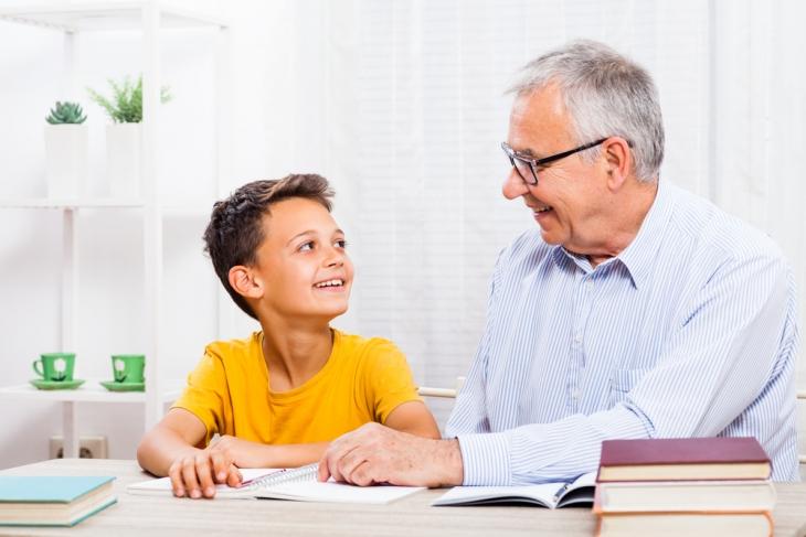 Care este rolul pe care trebuie sa-l joace bunicii in educatia nepotilor?