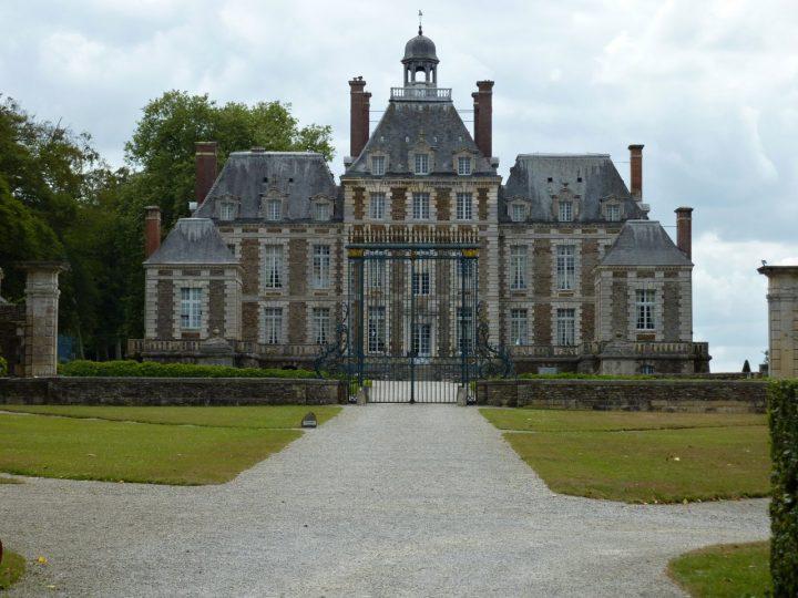 Castele și palate uimitoare de vizitat în Franța