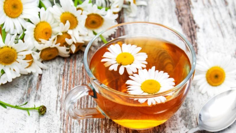 Cele mai bune ceaiuri de consumat inainte de somn