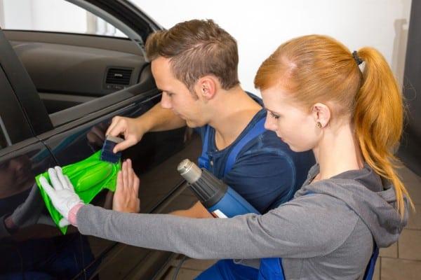 Cum sa fii plătit pentru publicitate pe mașina ta