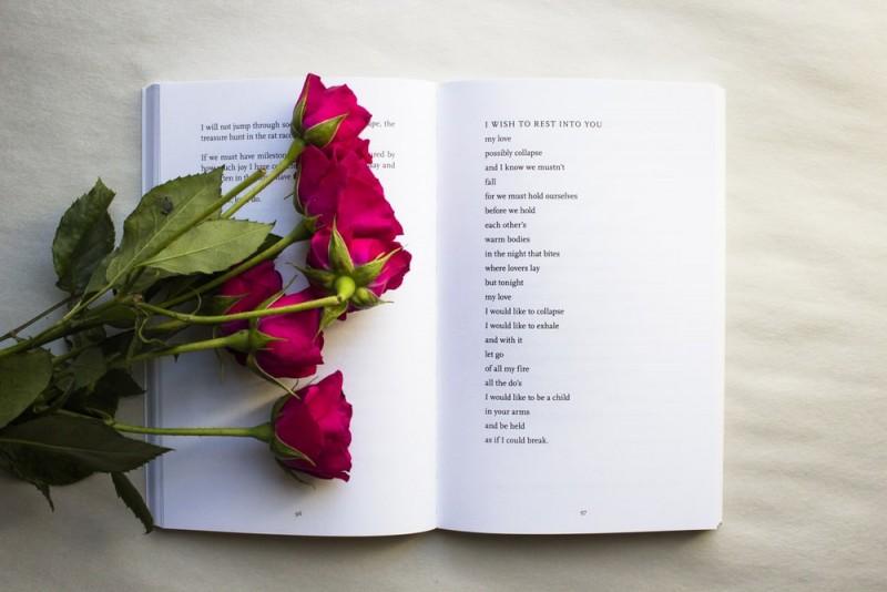 De ce sa citesti carti romantice