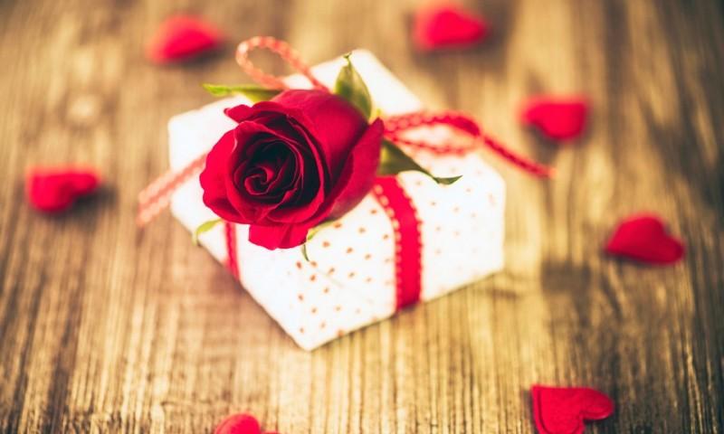Idei de cadouri care aprind dragostea de Sf.Valentin