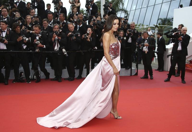 Top 5 rochii purtate de Eva Longoria
